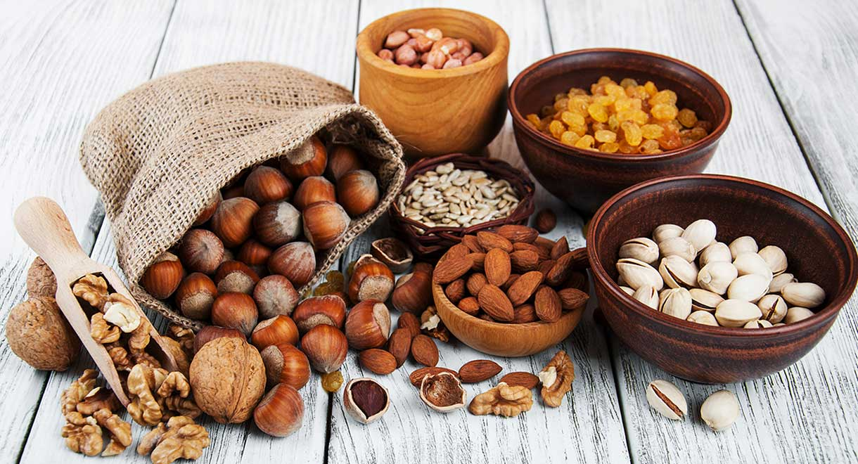 7 Types Of Nuts That Are Low-Carb